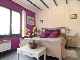 AIX -CHAMBRE PRIVEE A LA CAMPAGNE - bed and breakfast