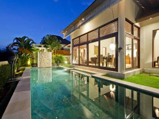Luxury Holiday Villa w/ Pool in Bali - Sahaja 2, Tabanan