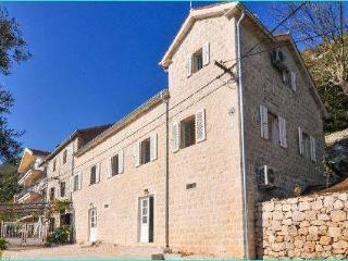 Villa, Perast