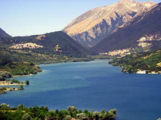 Incantevole paese di montagna nel Parco d'Abruzzo vicino Roccaraso