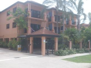 Lake St. Apartment, Cairns