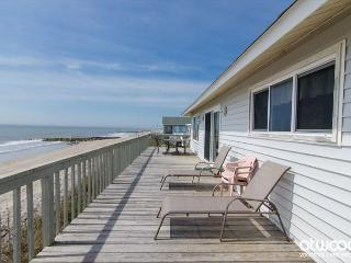 Corrigan - Perfectly Sized Beach Front Home, Edisto Island