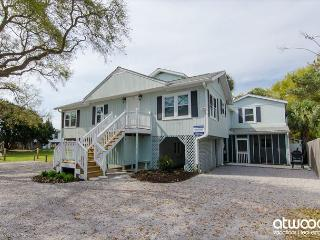 Angel Fish - Ocean Views with a Private Pool, Steps To the Beach, Edisto Island