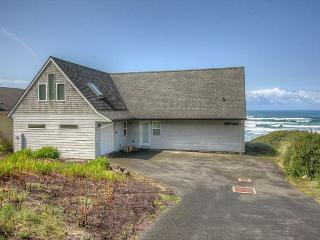Sweet Retreat--R521 South Beach Oregon ocean front vacation rental