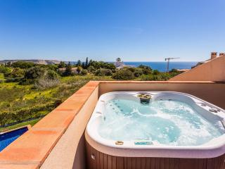 2x Apartment with Private Pool, jacuzzi & Sea View, Luz