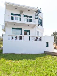 Smaragdi 3 bedroom family villa