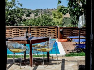Traditional 2 bedroom villa, with private pool, Armeni