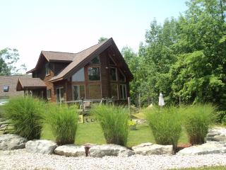 vacation cottage rental  minutes from the falls, Niagara Falls