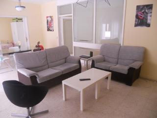 Spacious flat in Seville center