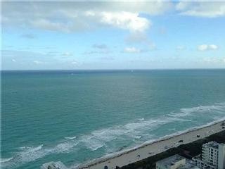 Spectacular Fontianebleau Tresor 1 Bedroom Suite, Miami Beach