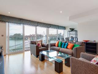 2-bed brand new flat with full River view