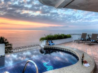 Villa Marbella - Award Winning Full Staff!, Puerto Vallarta