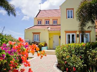 Stunning sea view villa - 5 minutes walk from the beach  - Perfect for families, Sabana Westpunt
