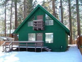 V14-Affordable Tahoe cabin with a in town location, close to everything, South Lake Tahoe