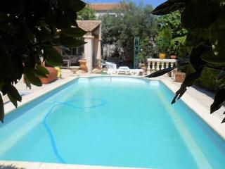 Serignan South of France villa near beach with private pool, sleeps 8