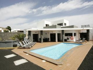 Child friendly 5* Villa in Playa Blanca