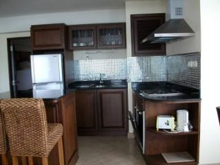 Nice decorate and good sea-view for 2 bedrooms in VIP Condo Chain
