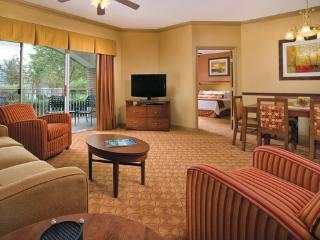 5 minutes from Grand Ole Opry, with indoor pool, Nashville
