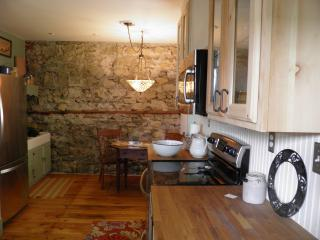 Upper Apartment | Kitchen