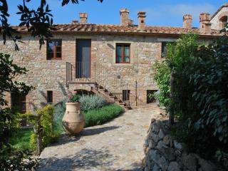Casa Bartoli at Borgo Mummialla-your Tuscan home !, San Gimignano