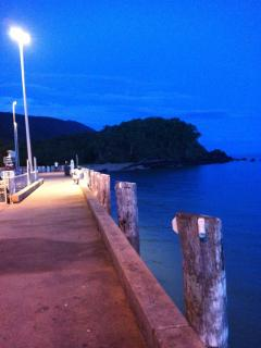 Palm Cove Pier