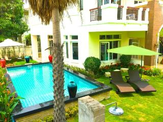 5 Bedroom  Private Pool Mansion Bangkok, Nonthaburi