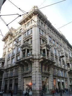 Situato in un edificio storico di Milano