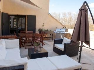 The Pebbles, Your Luberon 3 bedroom holiday rental, Cucuron