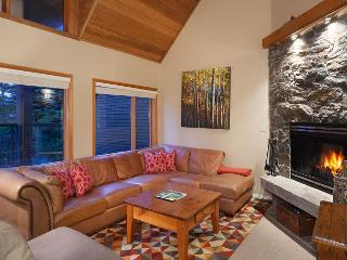 Cedar Ridge 26 | 3 Bed + Den, Open Concept, Ski-in/Ski-Out, Private Hot Tub, Whistler
