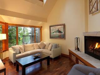 Cedar Ridge 16 | Whistler Platinum | Ski In/Ski Out, Gourmet Kitchen, Hot Tub