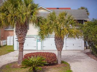 Stay Local in Savannah: 4 Bedroom Home on Tybee Island with Pool & Parking