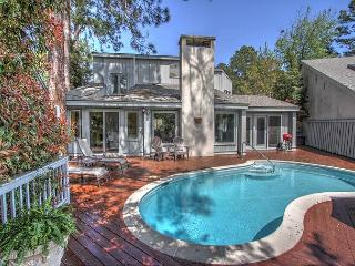 8 Windjammer Harbour Town Home Private Pool, Free Bikes, Tennis, Pet Friendly, Hilton Head