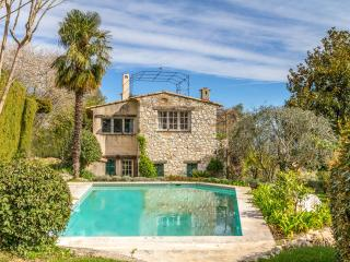 PROVENCAL VILLA WITH POOL, GARDEN & SEA VIEWS, Tourrettes-sur-Loup