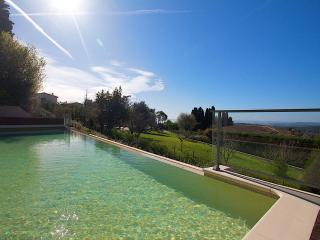 Villa Oleander in Vence with Heated Swimming Pool