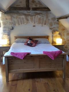 Attic bedroom (en suite)