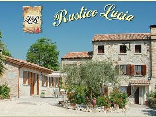 Rustico Lucia: rural Villa with pool near Venice