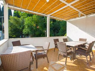 Apartment Luki for 3 with  AC, Dubrovnik
