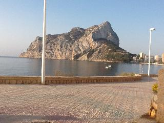 Poolside apartment in private villa, Calpe