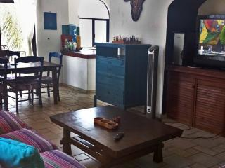 Great location, 2Br, Pool Condo, Playa del Carmen