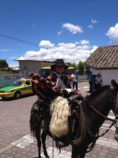 .Cielo Azul en Quito. Grecia tiene del mismo azul hermoso