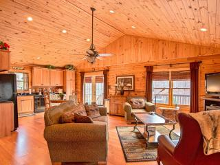 Luxe Cabin Less Then 3 Miles To Tryon International Equestrian Center