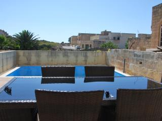 Ta Pawlu Farmhouse in Sannat Gozo 3 Bed Sleeps 10