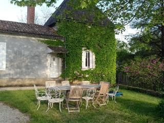 Superbe maison ancienne restaurée avec piscine, Sarliac-sur-l'Isle