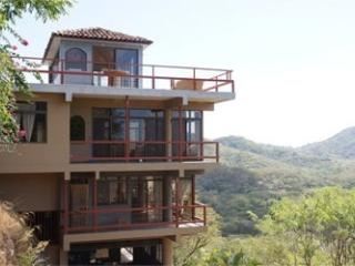 Spectacular skyline and ocean view, close to beach, Huacas