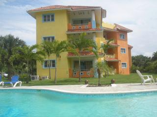 Perla Marina-2 bd 1 ba poolside, w balcony and AC