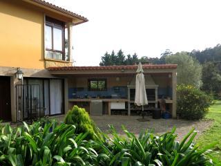 Preciosa y tranquila casa en Adina (Sanxenxo)). Con calefaccion (biomasa)