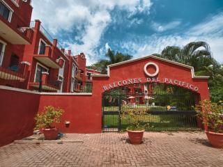 Balcones, #8, Tamarindo