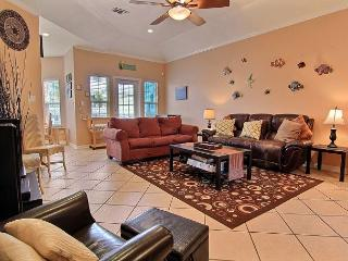 Coconut Charlie's  Great 3 bedroom/2 bath, sleeps 10, Port Aransas