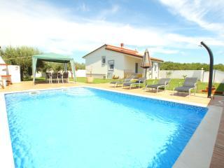 Villa Demian 150m from the sea Nr. Medulin, Banjole