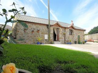 TROTT Barn situated in Lands End (4mls E)